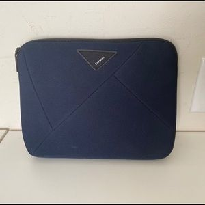 Targus thickly padded IPAD case